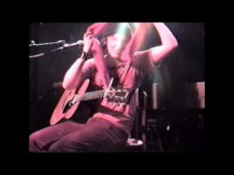 Elliott Smith: Independence Day & Bye live at the Knitting Factory NYC New Year's Eve 1999