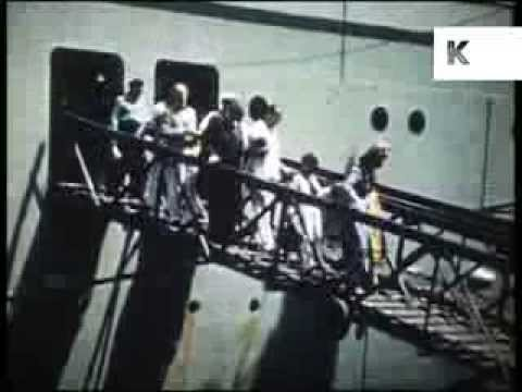 1950s Mumbai Harbour, Passengers off Cruise Ship, Bombay, India, Archive Footage