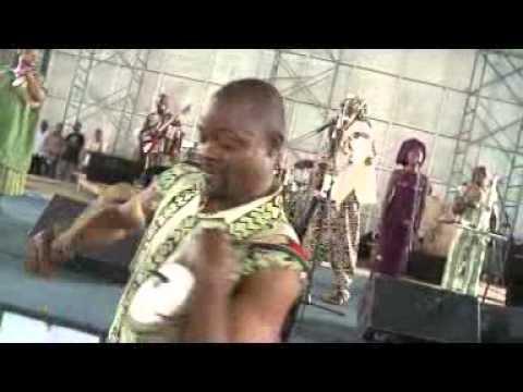 Bata Dance By Lagbaja At Obafemi Awolowo University, OAU