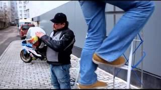 "Краш-тест мотошлема Marushin. (кадры из передачи ""Технологии спорта"")"