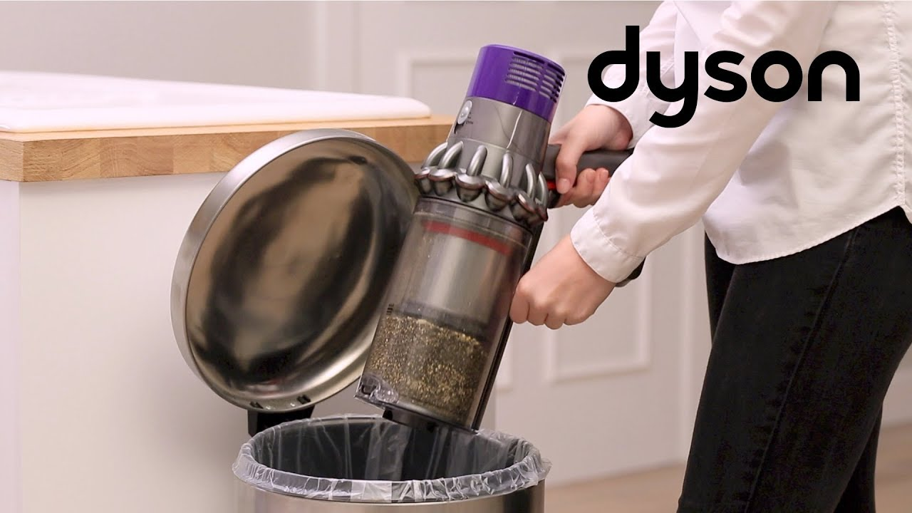 kabellose staubsauger dyson cyclone v10 leeren und. Black Bedroom Furniture Sets. Home Design Ideas