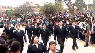 Desfile de la IE 2084 Trompeteros en el 444 Aniversario del Distrito de Carabayllo 2015
