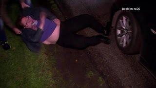 Vrouw blokkeert auto staatssecretaris en schreeuwt - RTL NIEUWS