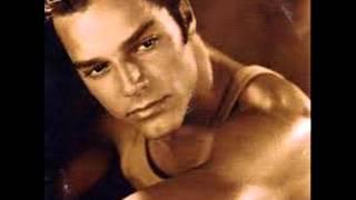 Ricky Martin La Historia CD Completo (2001)