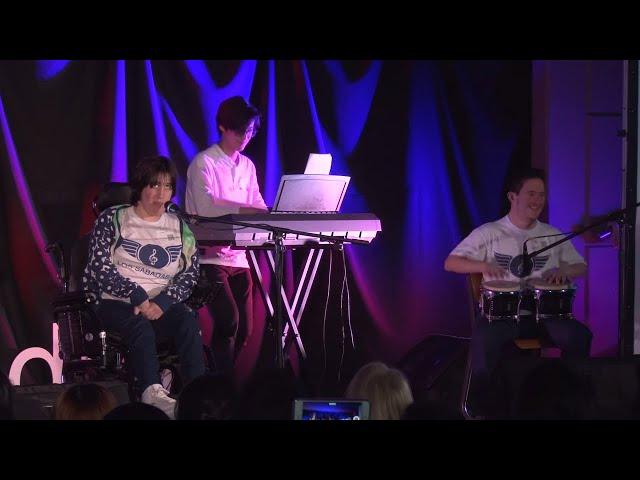 Todos hacemos música |  Los Sabadabadú | TEDxSanIsidro