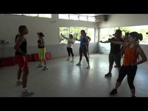 Academia coliseum : aula de body combat
