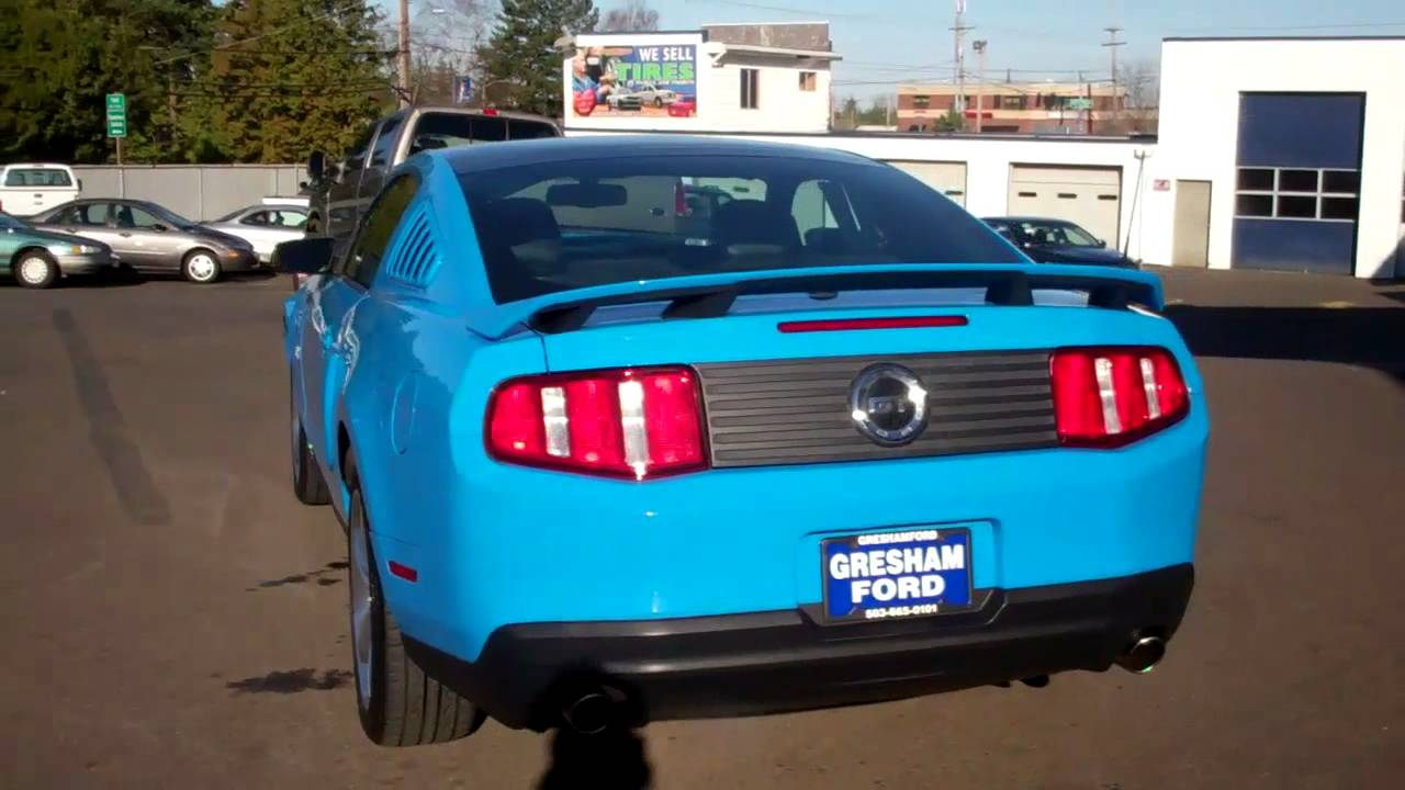 Compare Ford 2010 Mustang Gt With Panoramic Roof From