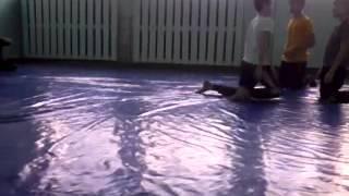 урок физкультуры в нашей школе:))))(Это видео загружено с телефона Android., 2013-05-12T15:05:33.000Z)