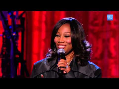 "Yolanda Adams Performs ""Change is Going to Come"" 