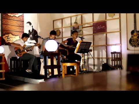 Efata Acoustic  Melompat Lebih Tinggi Acoustic