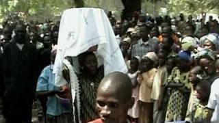 Bibel-Übergabefeier an das Sarh-Volk im Tschad