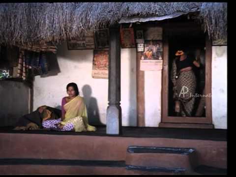 Mullum Malarum - Rajinikanth fulfills Shoba