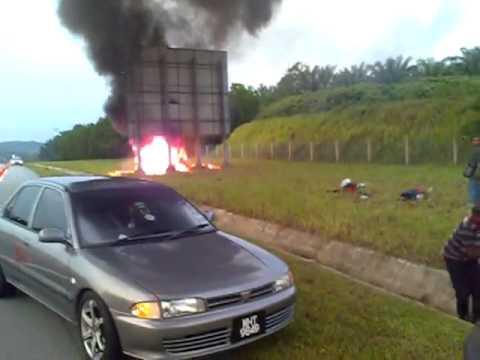 Achik Spin maut kemalangan di Lebuh Raya Lekas
