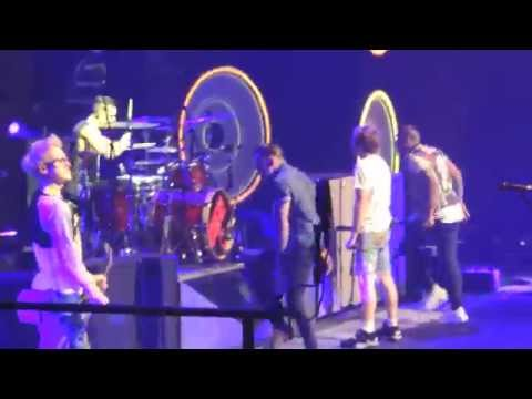McBusted - Jackson 5 Cover & T-Shirt Guns Live at Manchester Phones4U Arena 11.05.14
