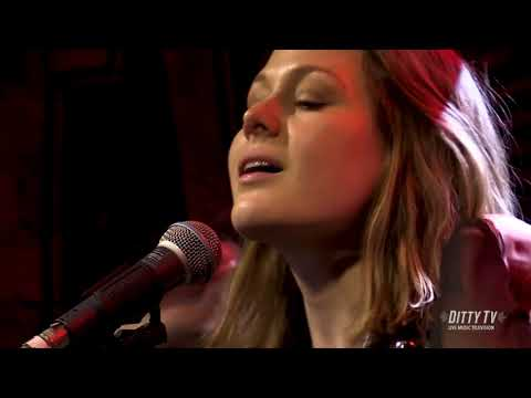 "Larkin Poe perform ""Wanted Woman"" on DittyTV Mp3"