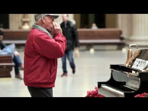 Piano That Plays Itself