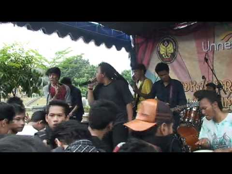 Steven & The Coconut Treez - I'm in LOVE (cover by Butter Cookies Semarang @UNNES FAIR 2011 stage C) Mp3