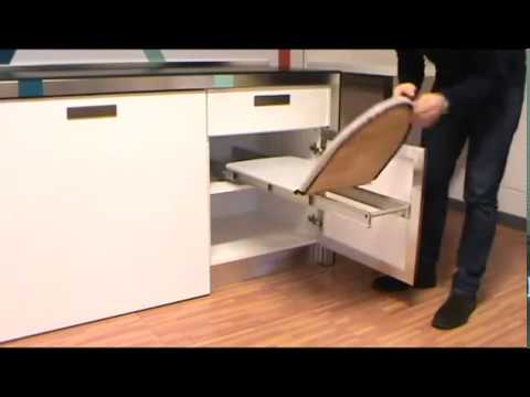 Tabla plancha plegable mueble cocina youtube for Mueble tabla planchar