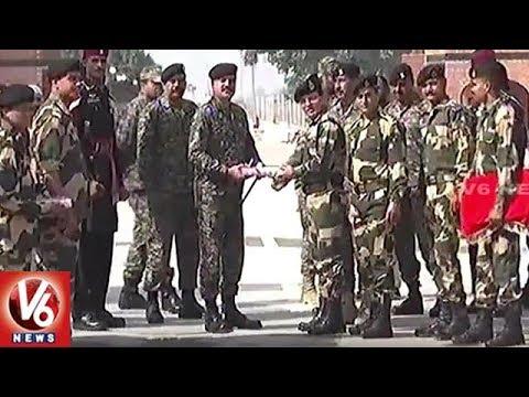 India & Pakistan Forces Celebrate Diwali At Wagah Border | V6 News