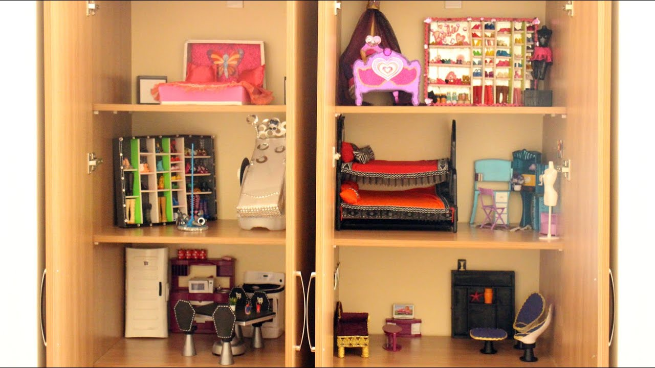 Tour de mi nueva casa de mu ecas monster high barbie y for Casas de juguete para jardin