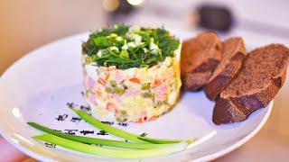 Салат Оливье с колбасой к новогоднему столу, рецепт | Sunday