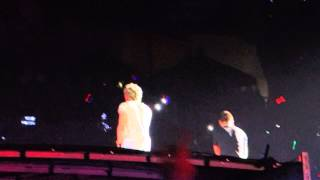 One Direction. Live While We're Young.  Raymond James Stadium. Tampa. 10.3.14