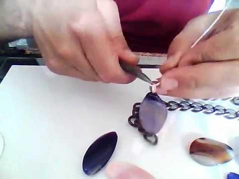 Come creare una collana in pietre youtube for Orecchini con pietre dure fai da te