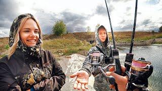 Рыбалка с женой и сыном - все пошло не по плану!  Семейная рыбалка на ультралайт спиннинг осенью