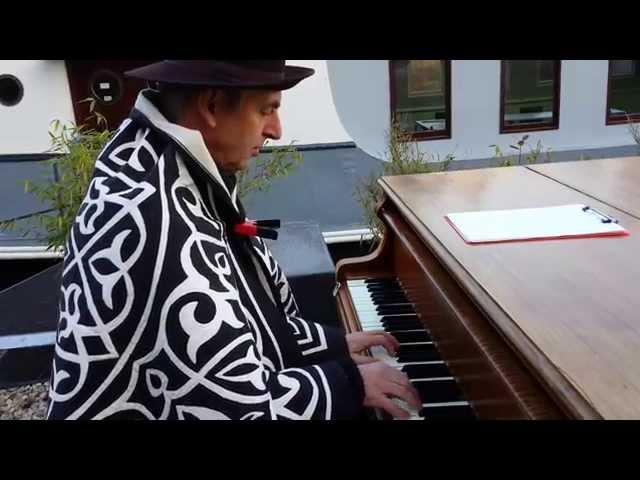 Dag 103 - De Buitenpianist van Cultuurschi
