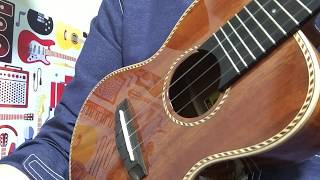 Astro Boy Big Island Ukulele KR-CTG ※参考動画 鈴木智貴さんのウクレレレッスン https://www.youtube.com/watch?v=TUEaVaX3GSk&t=66s.