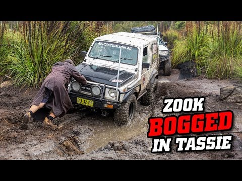 Budget Suzuki bogged in TASMANIA • Crazy 4WDing action