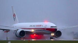 Amazing, Powerful reverse thrust use by B787, A380, B747, B777