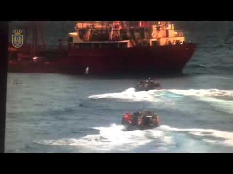 El patrullero 'Serviola' libera un mercante en el Golfo de Guinea
