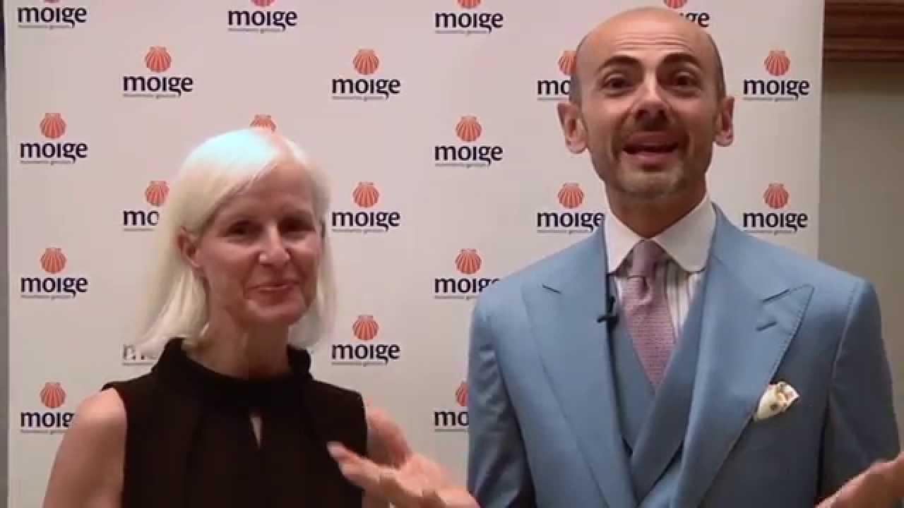 4305c8ba3aa5 Carla Gozzi e Enzo Miccio ricevono il Premio Conchiglia Moige 2013 - 2014