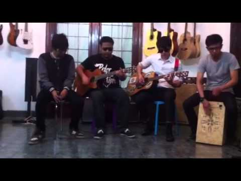 Jolly Jumper live acoustic at RMHR Music Store