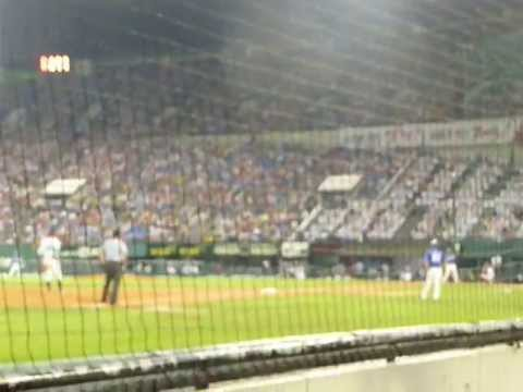 L.G. TWINS VS. SAMSUNG LIONS BASEBALL GAME at Jamsil Baseball Stadium, Seoul.