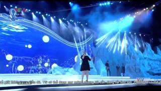 Kelly Clarkson - A Moment Like This - Chung Kết Hoa Hậu Việt Nam 2014 YouTube