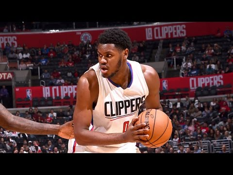 Clippers Rookie Diamond Stone Posts 27 Points, 15 Rebounds at NBA D-League Showcase