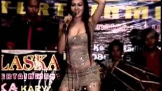 Repeat youtube video Dangdut Hot Mala - Hamil duluan