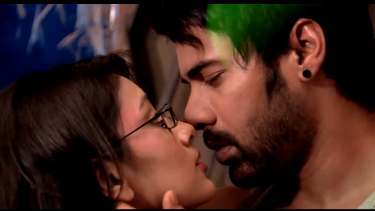 Download Abhi & Pragya's Romantic Reunion Song | Mile Ho Tum Humko | Kumkum Bhagya | Watch On ZEE5