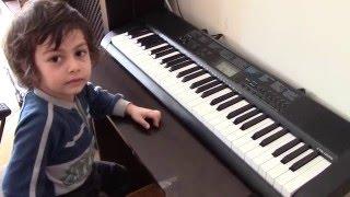 4 Yaşındaki Çocuktan Türk Marşı! - W.A. Mozart
