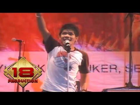 Baim - Kau Milikku (Live Konser Pesta Merah Putih Batam 2006)