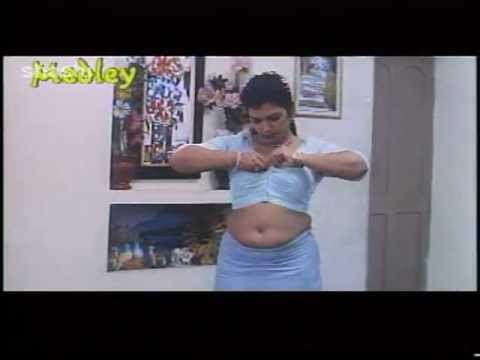 Mallu actress Sajini aunty boobs show thumbnail