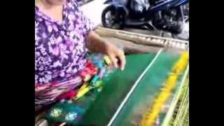 Kain Tenun Songket asli khas Suku Sasak Lombok