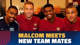 Malcom meets his new Barça teammates