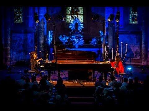 Philip Glass - 4° mouvement pour deux pianos / Katia et Marielle Labeque