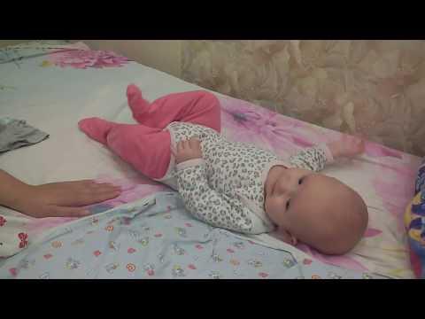 Как выглядят распашонки для новорожденных