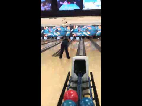 Oak Harbor, Washington Bowling! My funny Roll!