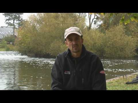 Simon Morris Predator Hunting on the River Avon (www.abugarcia-fishing.co.uk)
