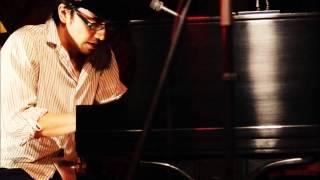 ピアノ弾き語りの角田紘之です。 ◇ピアノ弾き語りといったら角田紘之じ...